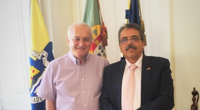 Municipality of Almada Receives Palestinian Ambassador