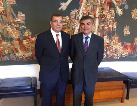 Ambassador visits University of Lisbon