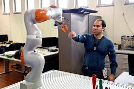 Software for collaborative robots created by Palestinian researcher in Coimbra