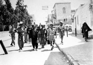 Soldados das Forças de Defesa de Israel em Ramle, no ano de 1948. Coleção de Benno Rothenberg/ Arquivo das Forças de Defesa de Israel
